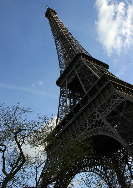 Eiffel_Tower_988