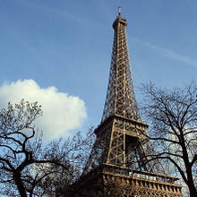 Eiffel_Tower_989